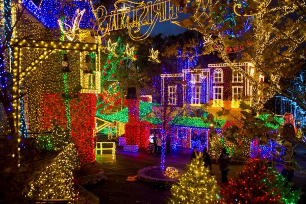 Silver Dollar City Christmas.Outside Florida Silver Dollar City Wins Best Holiday Event