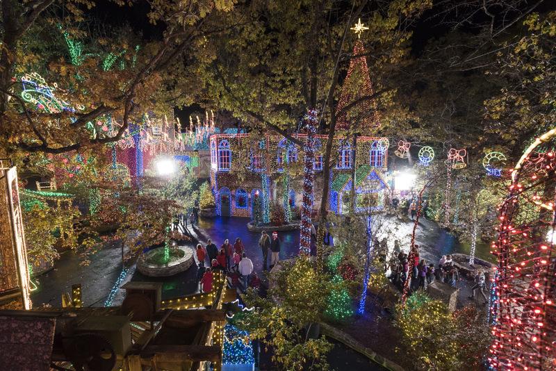 House Christmas Lights Florida 2020 Outside Florida: Silver Dollar City Celebrates An Old Time
